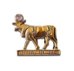Altägyptisches Tierkreiszeichen 'Stier' (21.4.-20.5.) mit Glücksstein Rosenquarz, Brosche, Brosche, Skulptur, Schmuck