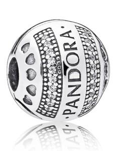Clip-Charm -Logo mit Herzen- Pandora Silberfarben