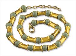 Collier mit grünen Perlen, Collier, Schmuck