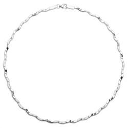 Modernes glänzendes Silbercollier geschwungen