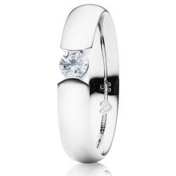 Ring von Capolavoro mit einem 0,10 ct Brillant in Spannring-Optik