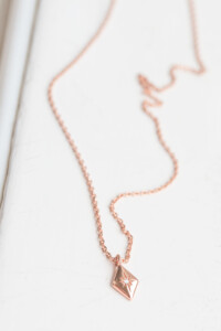 SPARKLING RHOMB Halskette rosé vergoldet